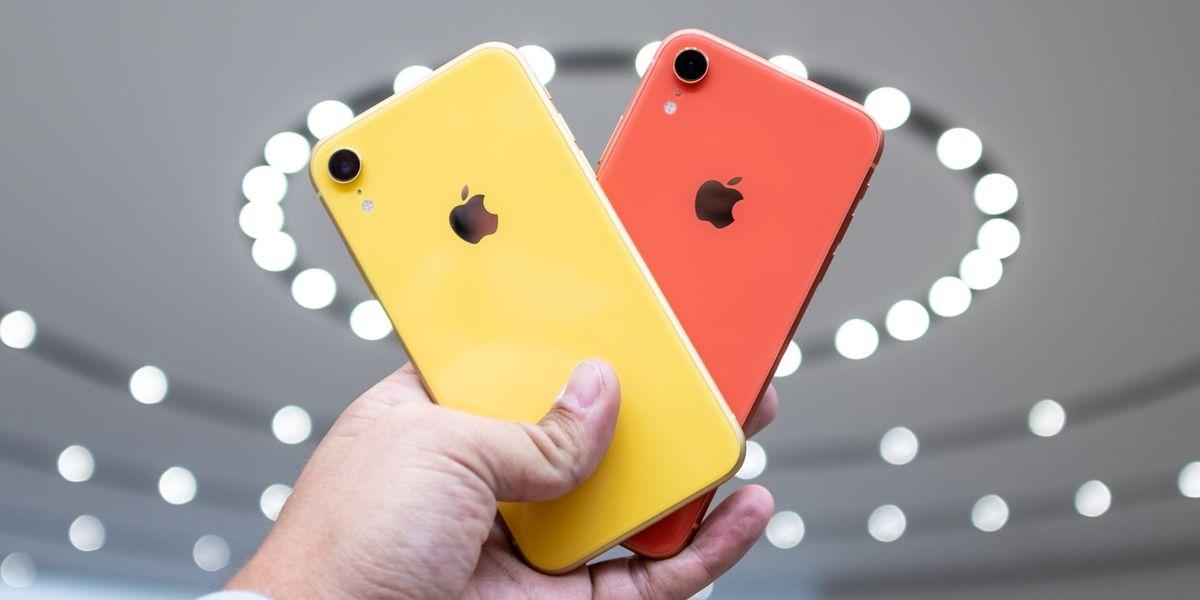 Thay vỏ iPhone XR nhanh chóng, chất lượng tại CareMobile