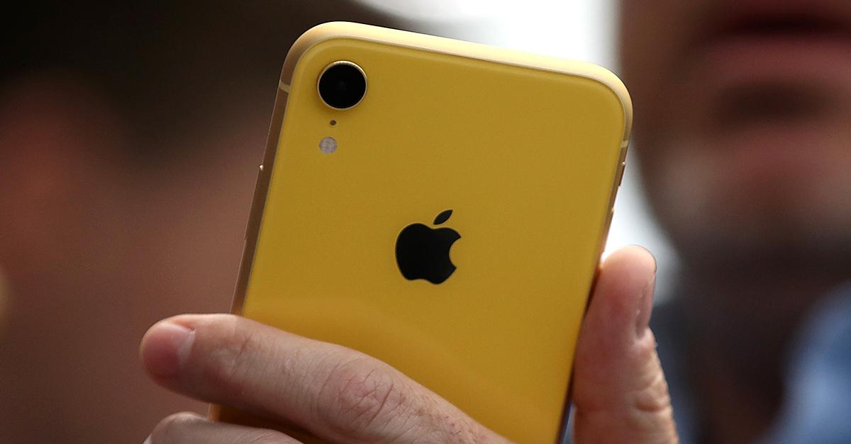 iPhone XR thu hút người dùng ở màu sắc