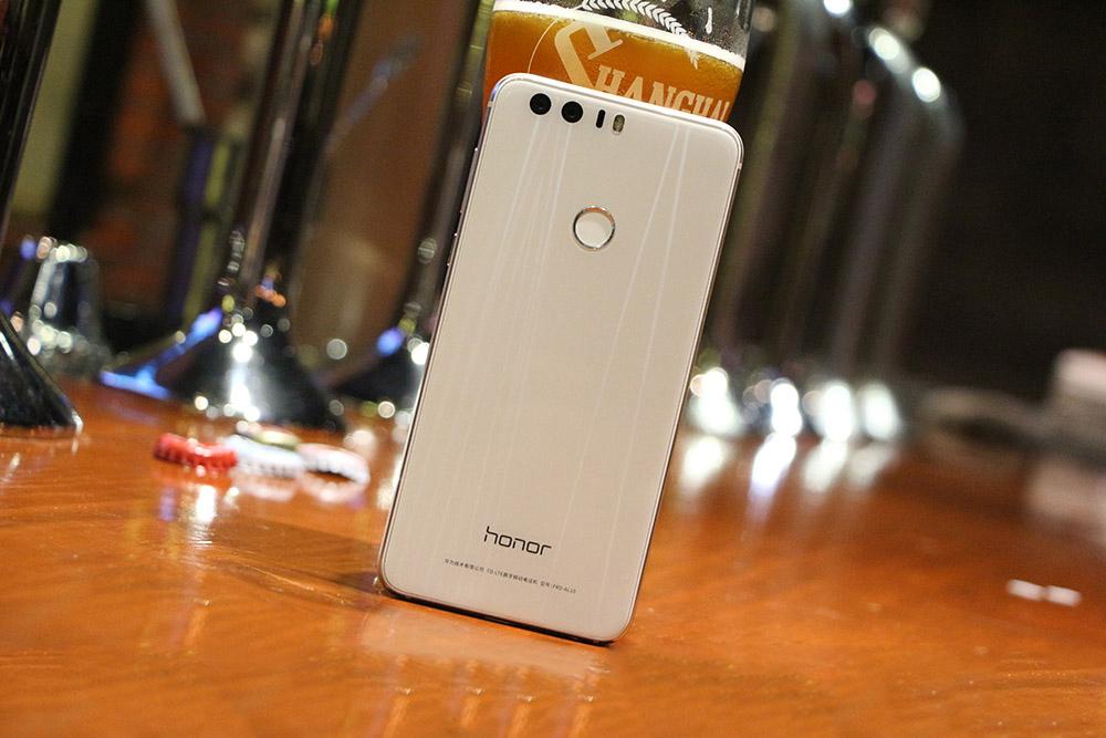Đi sửa Huawei Honor 8, 8X mất nguồn : nhớ tìm đúng địa chỉ uy tín nhé.