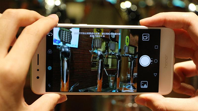 Lỗi mạch nguồn hay lỗi IC nguồn Huawei Honor 8 : phải kiểm tra chính xác