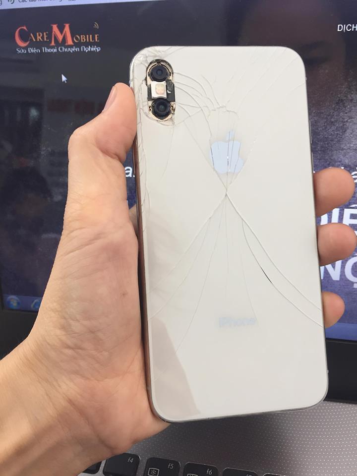 Trường hợp iPhone XS Max bị vỡ nắp lưng, vỡ camera và cong khung máy