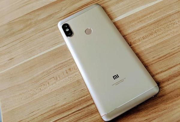 Thay vỏ Xiaomi Redmi Note 5 Pro chờ lấy luôn