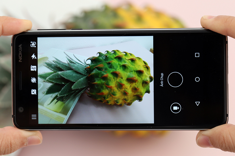 Vỡ kính Nokia 3.1 bên ngoài, thao tác sử dụng sẽ khó hơn
